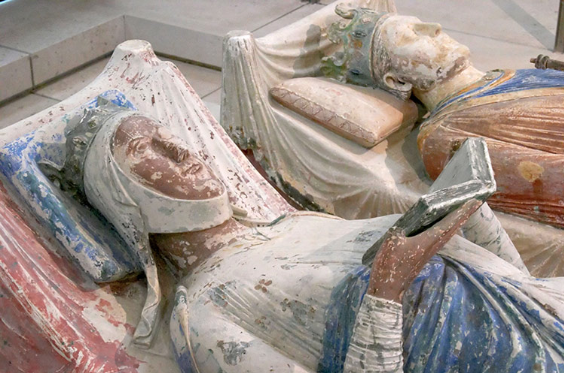Eleanor of Aquitane's Tomb via History Today.